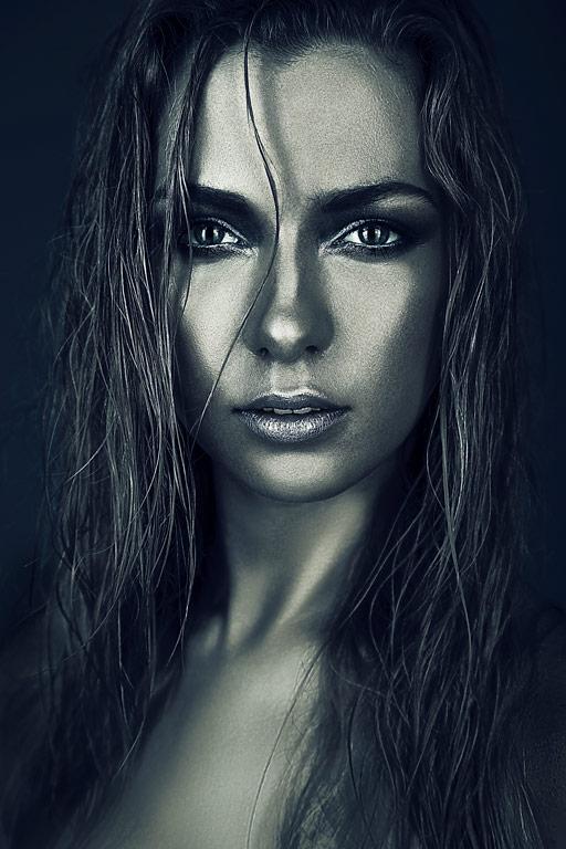 Красим кожу в серебряный цвет в Фотошопе