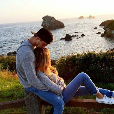 hugging-couple-lovebirds-pair-made-from-heaven-pics