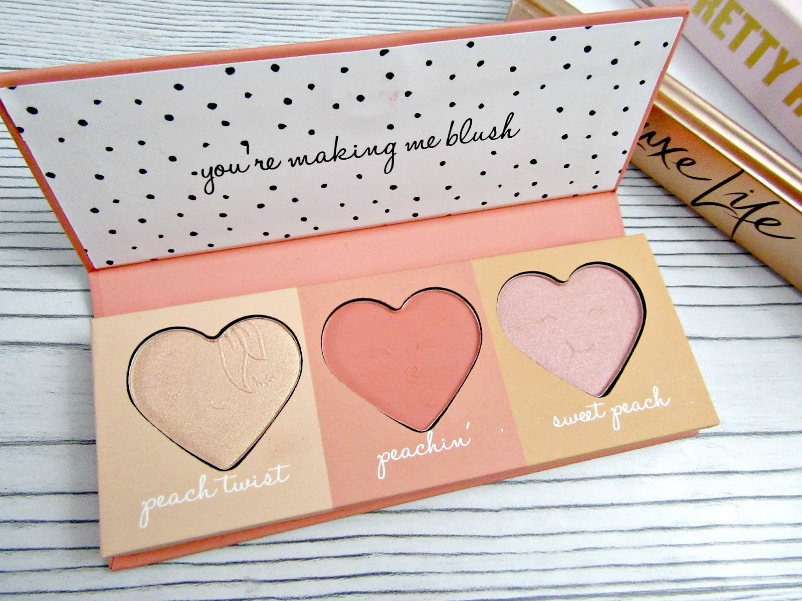 Primark peachy blush and highlight palette