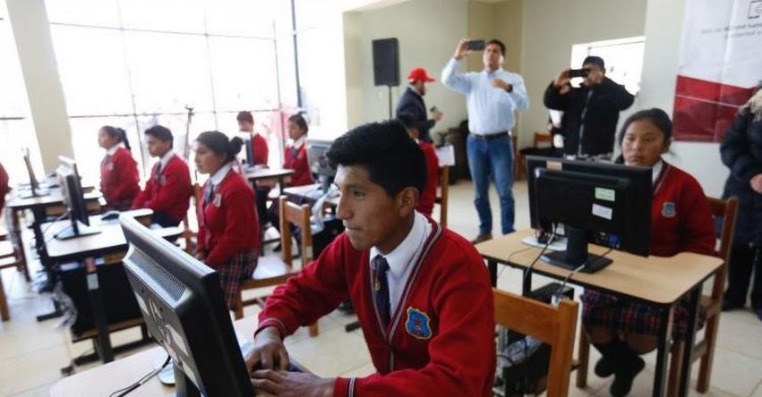 Escolares de zonas rurales en la región Huancavelica acceden a internet