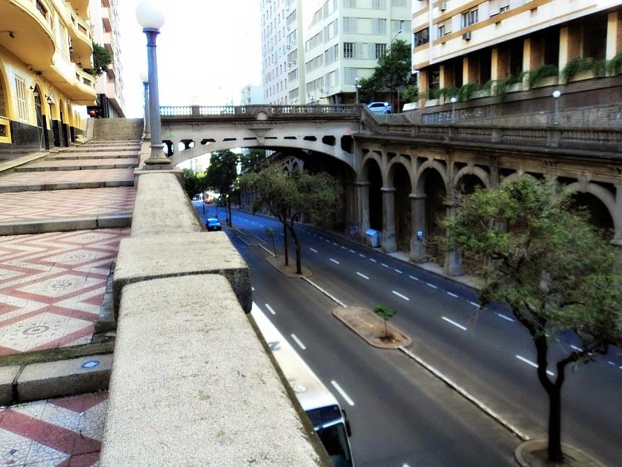 Viaduto Otávio Rocha, centro de Porto Alegre