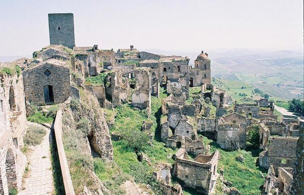 ruins-of-craco-italy