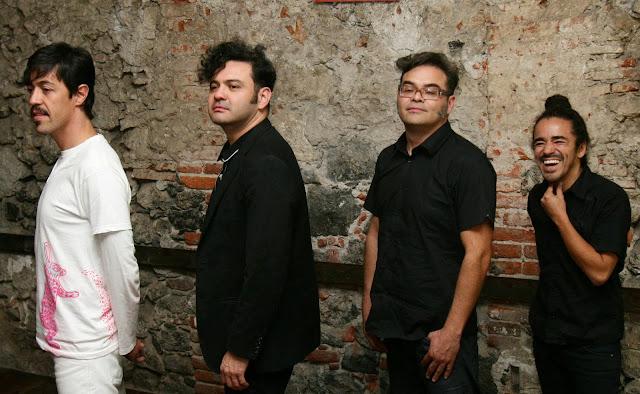 Documental de Café Tacvba, compilación de material videográfico de la banda.