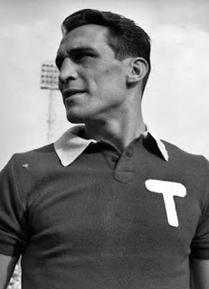 Bearzot in his playing days at Torino