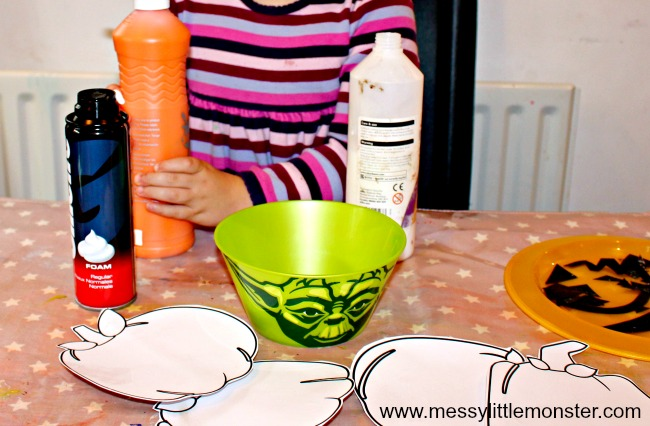 PUFFY PAINT PUMPKIN CRAFT FOR KIDS. A fun Halloween activity for toddlers and preschoolers where they can design their own Jack O Lantern. Uses an easy DIY puffy paint recipe.