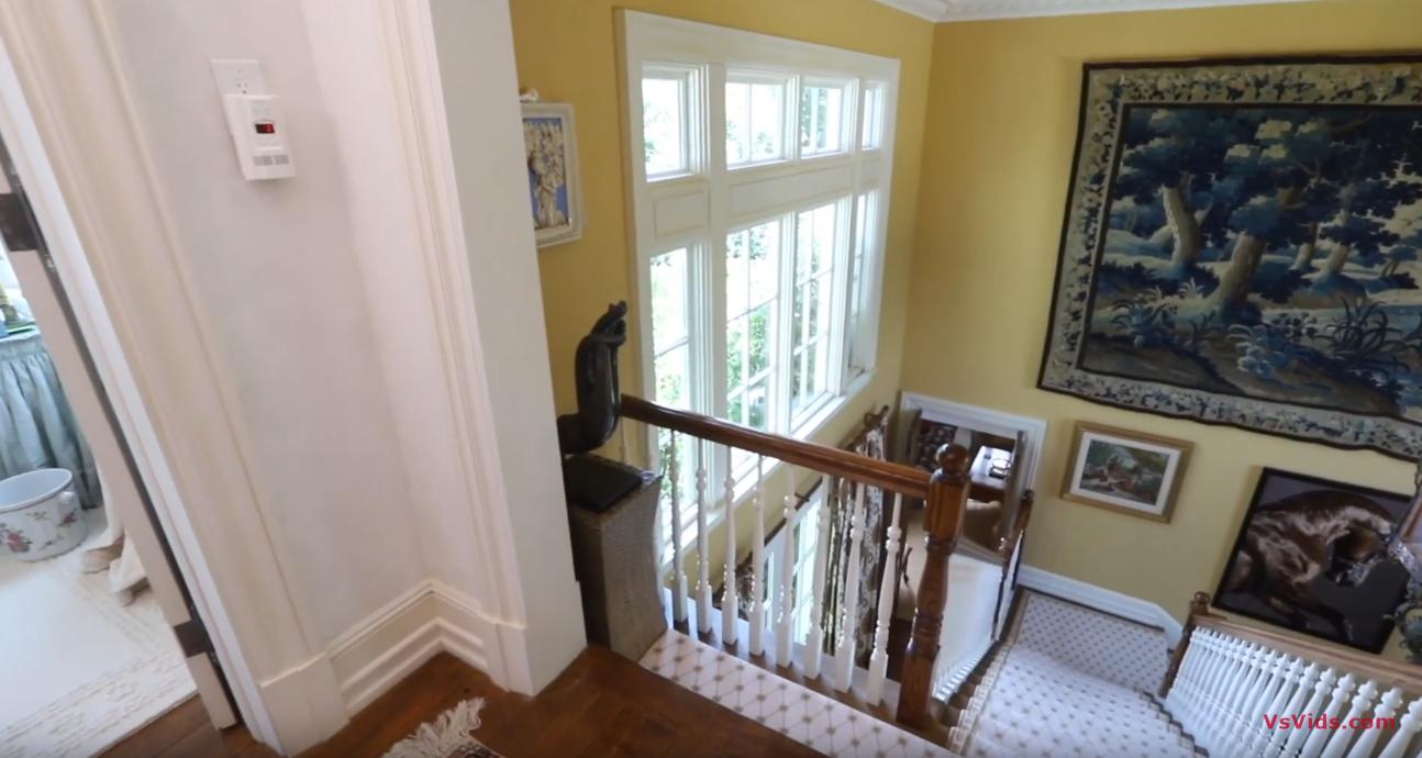 26 Photos vs. 22 Fordune Drive, Southampton NY - Luxury Home & Interior Design Tour
