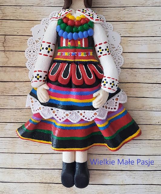 Strój ludowy, polski strój ludowy, strój ludowy krzczonowski, krzczonowski strój ludowy, Lubelszczyzna, folklor Lubelszczyzny, strój ludowy Lubelszczyzny, masa solna, figurka z masy solnej, ludowa figurka  z masy solnej,