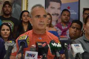 Freddy Bernal: Preparan una incursión paramilitar desde Colombia