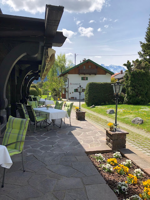 terrace, patio, wedding venue Parkhotel Wallgau, mountain panorama, Karwendel, wedding weekend, destination wedding, mountain wedding, wedding in Bavaria, wedding planner, 4 weddings & events, Uschi Glas, Garmisch-Partenkirchen, Zugspitze, Garmisch wedding, Germany, wedding coordinator