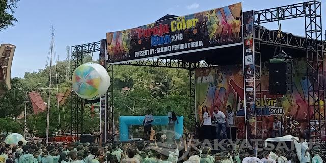 Bermandikan Warna, Peserta Toraja Color Run Bergoyang dengan DJ Rineez Devi dan DJ Maharetha