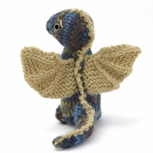 Wee Dragon - Free Knitting Pattern