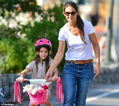 katie-holmes-is-dependable-parent