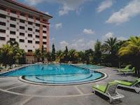 Kolam Renang The Sunan Hotel Solo