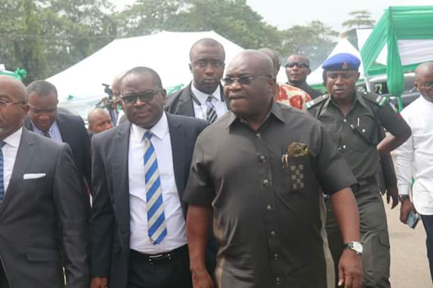 Opobo Junction Fire Incident: @GovernorIkpeazu fulfills promise to traders (VIDEO)