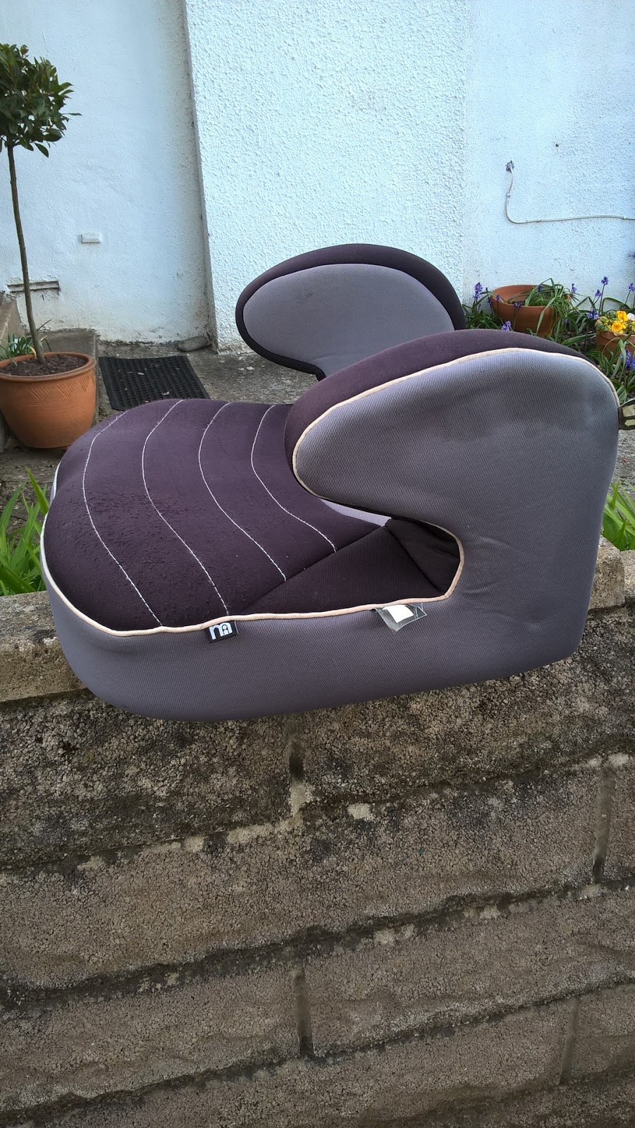 Child Backless Booster Car Seat - new rules from Dec 2016 - motherdistracted.co.uk