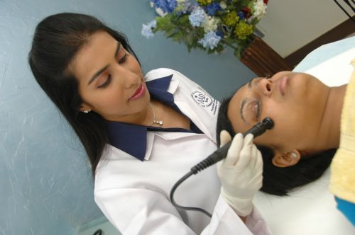My Experience with Kosmoderma - Jet Peels,Medifacials and More - Get