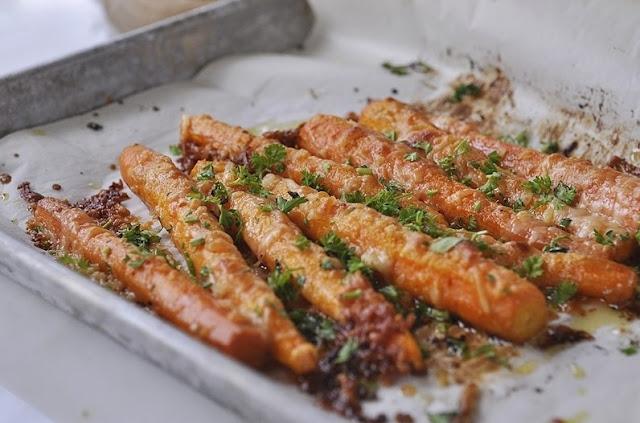 Parmesan Roasted Carrots #vegetarian #plantbased