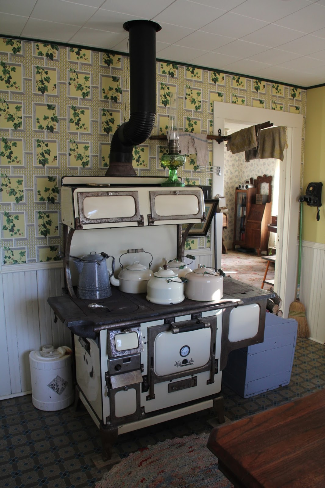 Kitchen Cook Stoves Rugs Wood Cookstove Cooking A Blog Reader S I Tim Monarch In Central Minnesota Range Is Model 272at Serial P 3077 From The 20 Or 30 Were Made By