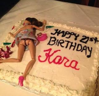 Fotos de humor - tortas de barbie mamada