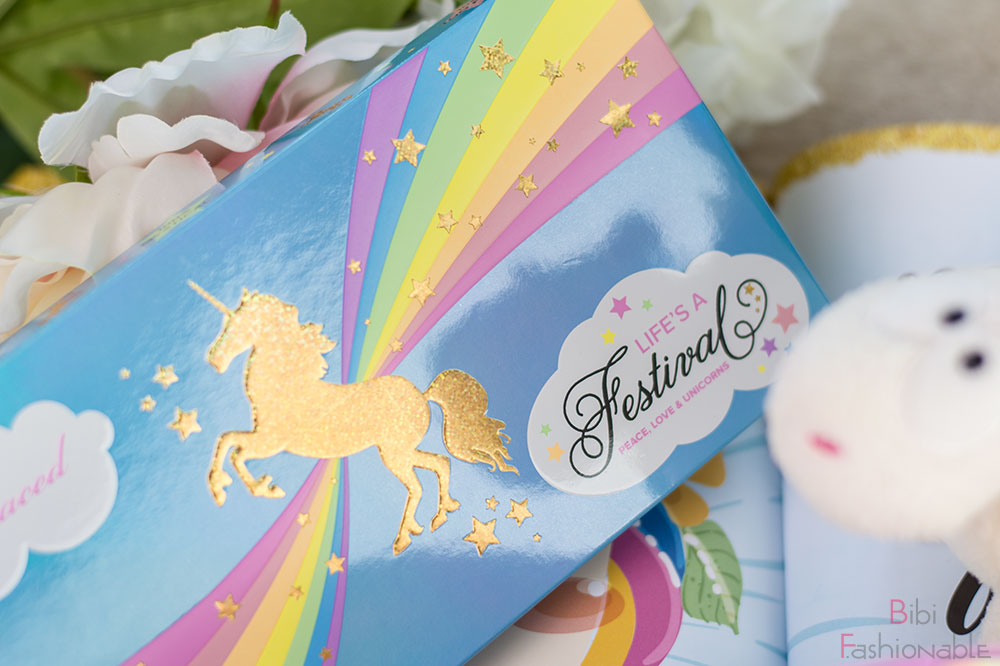 Too Faced Life's a Festival Ethereal Eye Shadow Highlighter Palette Umverpackung