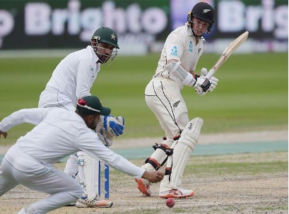 Abu Dhabi Test; 26 runs on New Zealand's 2 wickets loss