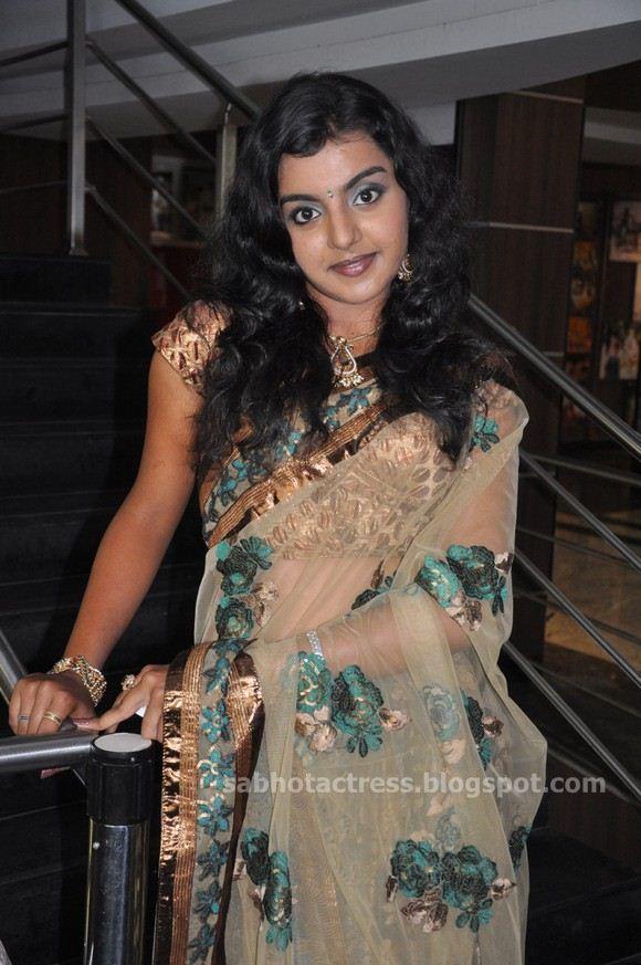 MQ - Malayalam Queens: Navel Stills Kajal agarwal, Wet