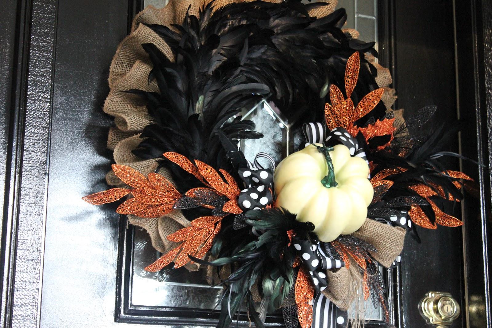 my sister 39 s crazy halloween wreath. Black Bedroom Furniture Sets. Home Design Ideas