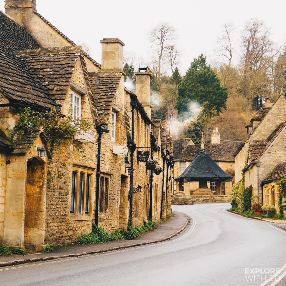 Unicorn Lodge and row of houses in Castle Combe