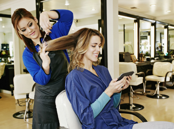 How to Run an Online Beauty Parlor and Make Money