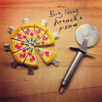 The Big Nose Attack, pizza-usb