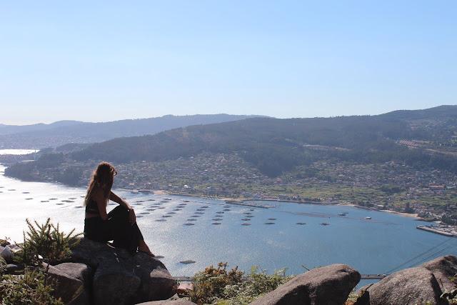 Las Vistas desde el Banco más Bonito de las Rías Baixas, Galicia