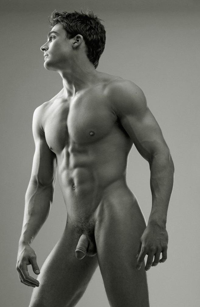 случайно голое тело фото мужские центре комнаты