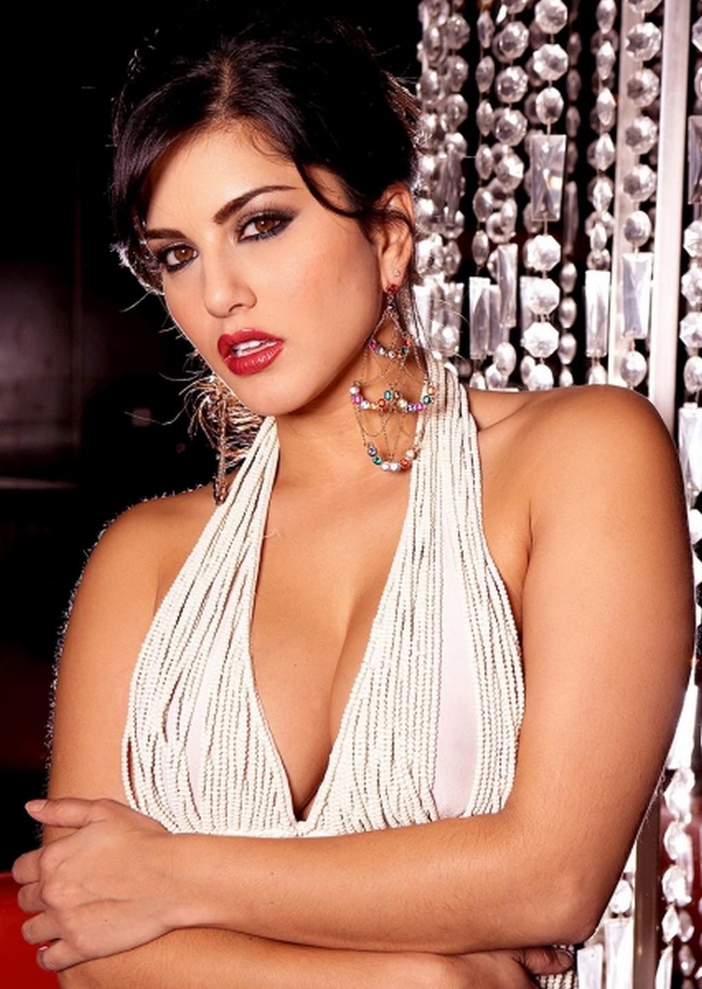 Sunny Leone Latest Spicy White Dress Photoshoot 2013 -5860