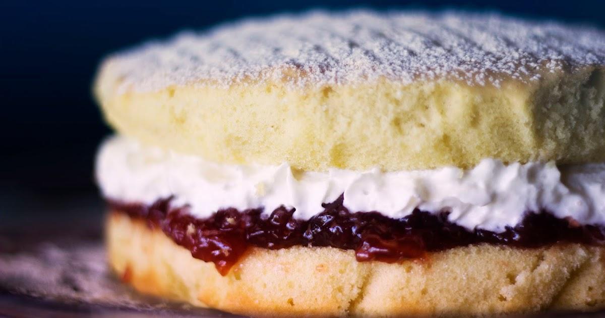 Easy Victoria Sponge Cake