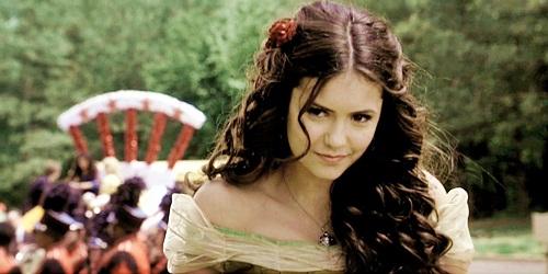 85d1e6fed Elena vai matar alguém em breve em The Vampire Diaries  - Gene Ela vai  certamente chegar perto. Quando Damon a leva para a festa de Halloween na  faculdade ...