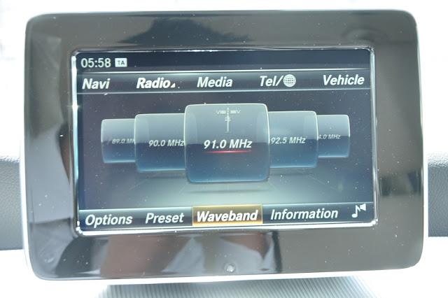 Mercedes GLA 200 trang bị màn hình với nhiều tiện ích