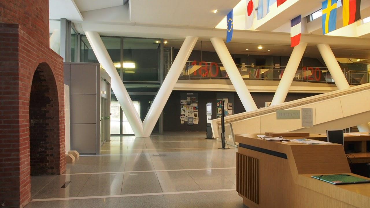 Ensa Paris Val De Seine balise jaune: ecole d'architecture paris val de seine.