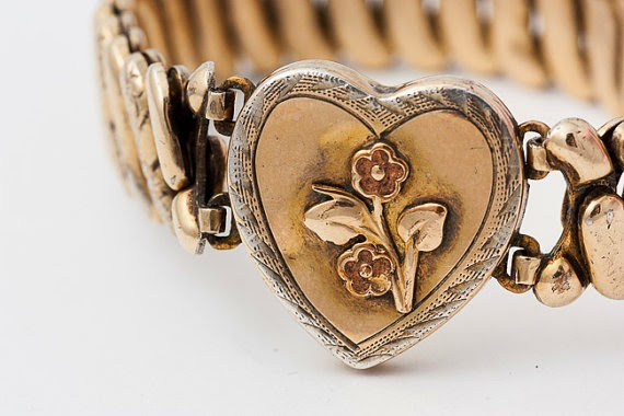 Flashback Summer: 1940s WWII Sweetheart Jewelry from Chronically Vintage