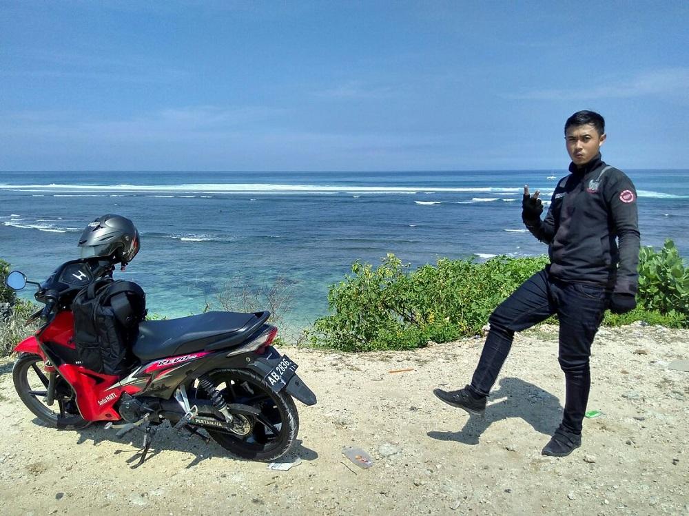 Tour ke Pantai Geger Bali