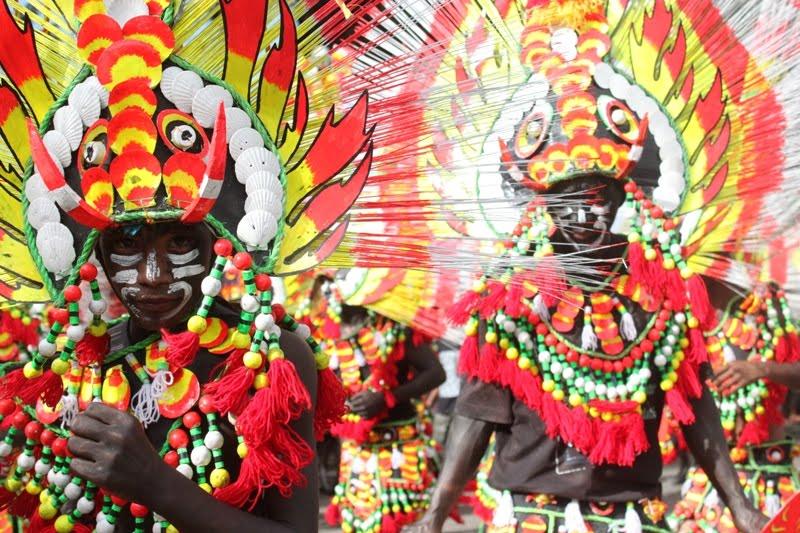 Ati-atihan Festival (http://aklanforum.blogspot.com