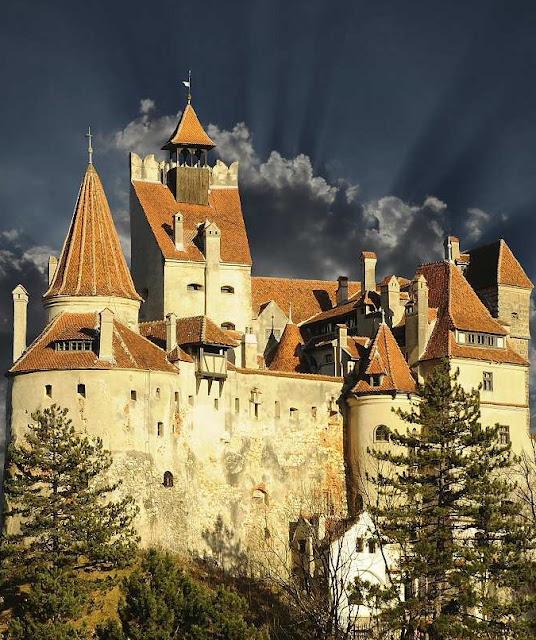 dracula castle halloween transilvania romania visit