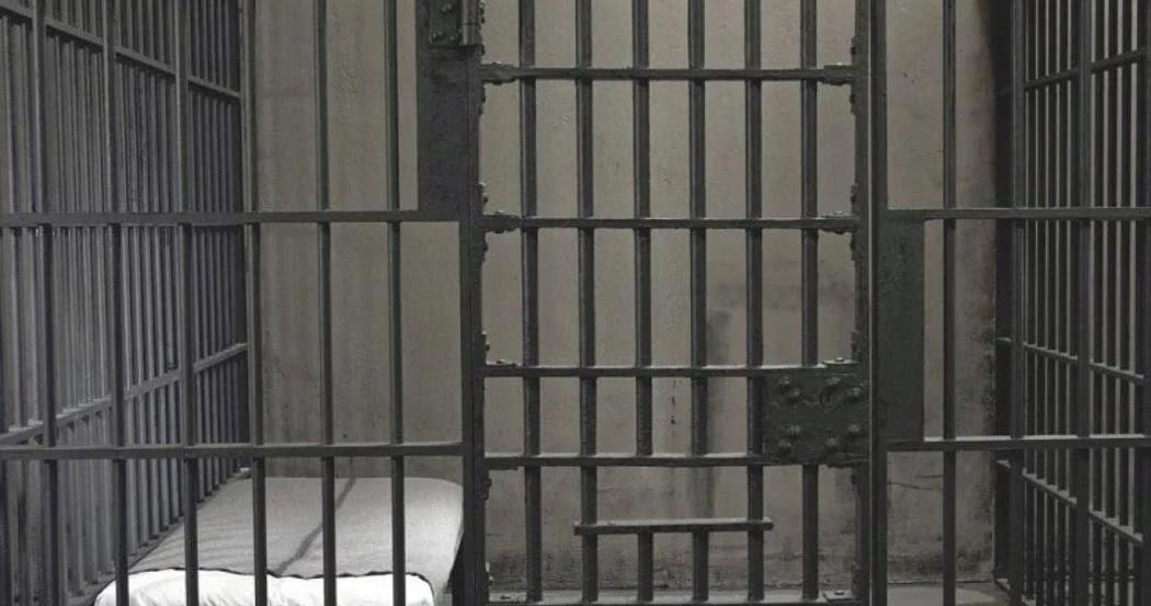 Οργή στην Πελασγία: Αποφυλακίστηκε ο παιδοκτόνος που είχε κατακρεουργήσει την 13χρονη κόρη του με κουζινομάχαιρο