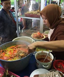 Peluang perjuangan waralaba kuliner dengan modal kecil yakni sebuah peluang yg semakin banyak  Peluang Usaha Makanan Rumahan Buat Ibu Rumah Tangga
