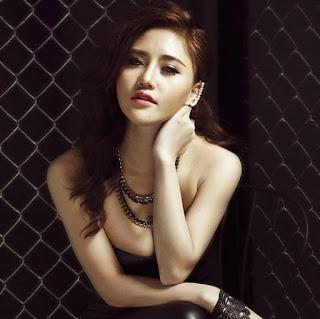 Gái xinh facebook hotgirl Jery Trinh khoe hàng (Nguyễn Hoài)