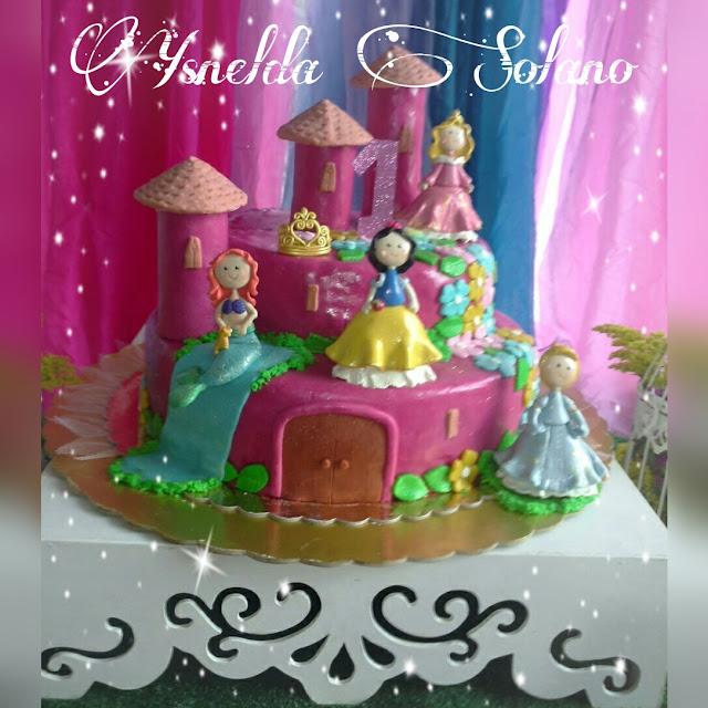 Muñequita-inspirada-en-la-Sirenita-Ariel-en-Porcelana-Fría