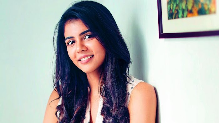 Kalyani Priyadarshan HD Wallpaper-Alluring Hottest Photos of her will made you crazy on her