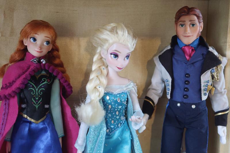 Disney Frozen doll customization face ups - Anna Elsa Hans