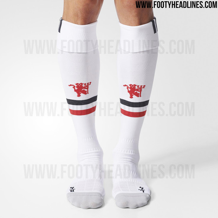 be3d596f1 The shorts of the new Manchester United home kit are white and black