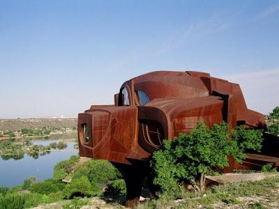Inusual casa de acero.