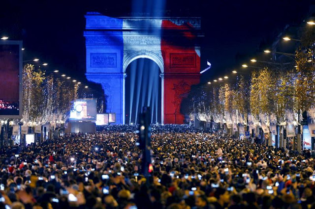arco-di-trionfo-capodanno-parigi-poracciinviaggio